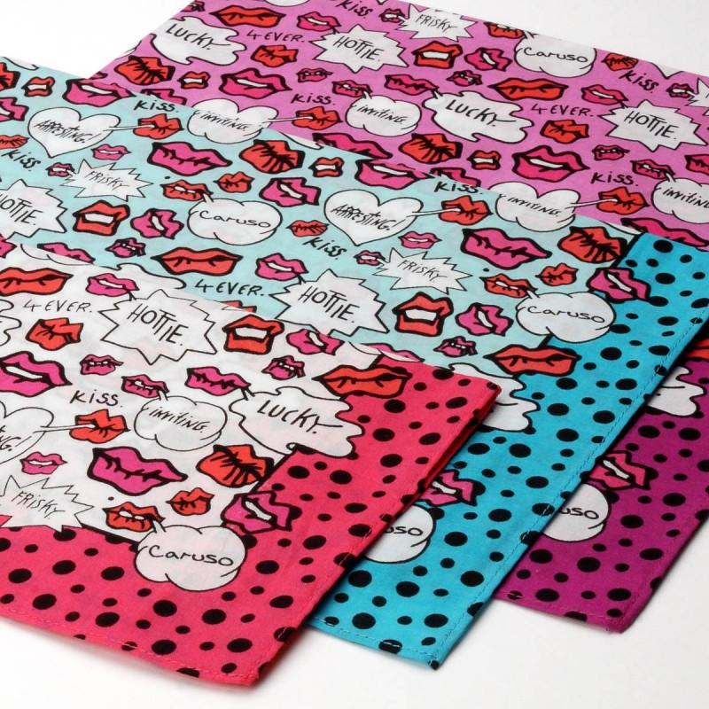 mouchoir kiss femme 100% coton 45cm